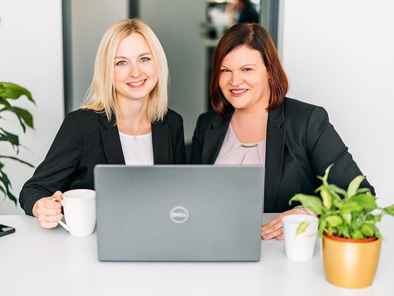 Deine Ansprechpartner für die Ausbildung Selena Blinn und Nina Marhöfer
